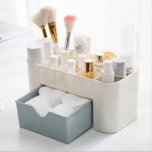 Organizér na kosmetiku do koupelny